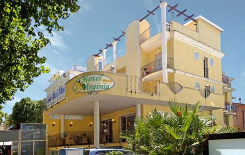 Hotel virginia a rimini con piscina la vacanza per tutti - Bagno 81 rimini ...