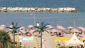 Dettaglio su spiaggia attrezzata a Viserbella di Rimini