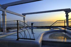 Vasca idromassaggio alla Spa di Hotel De Londres