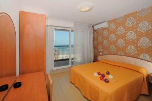 Camera vista mare Hotel Mirabel