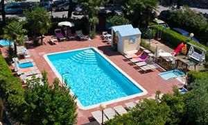 piscina Hotel Gaudia Riccione