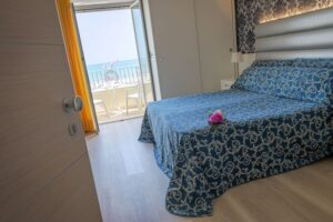 hotel-riviera-camera-fronte-mare